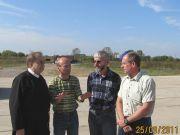 Trzeci z lewej - Andrzj Blus, szef HYDROSERVICE